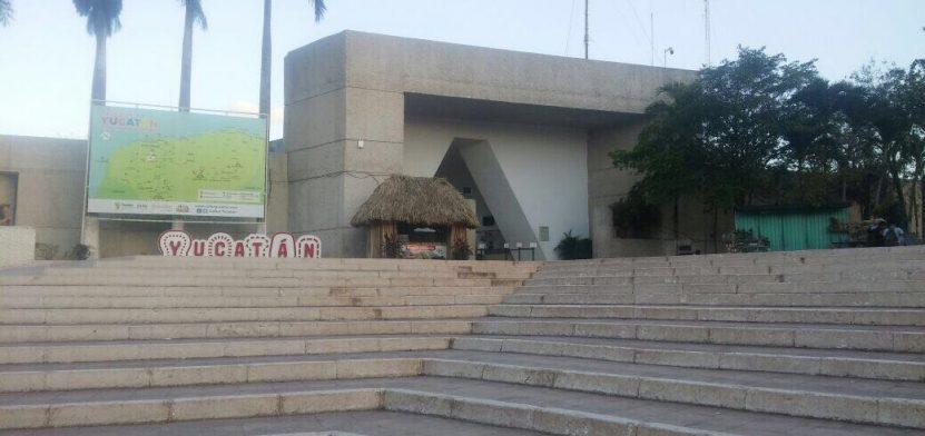 """""""Chichén Itzá es el cáncer de Yucatán"""": Escalante Bolio"""