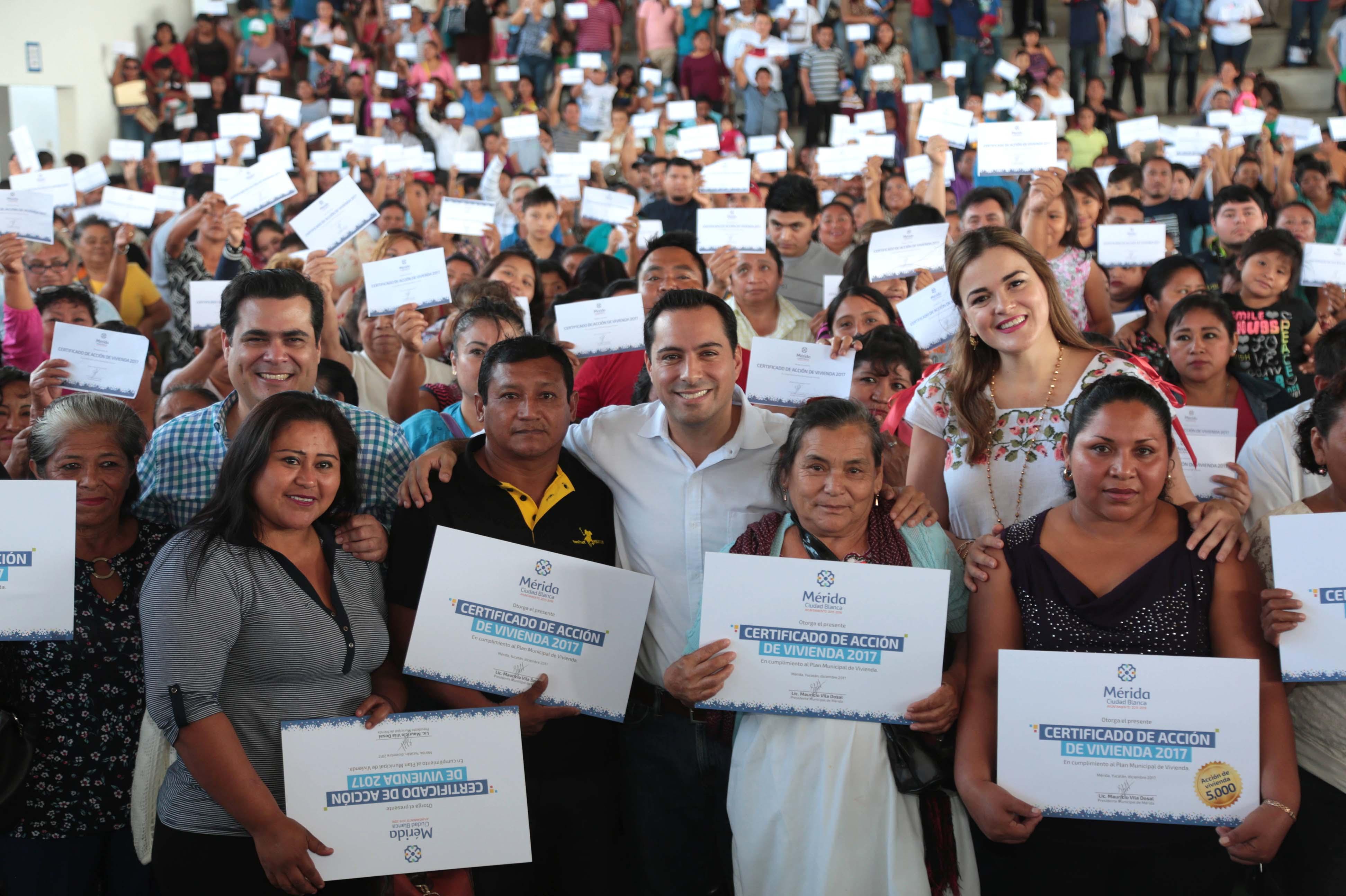 Certificado número cinco mil de acciones de vivienda en Mérida
