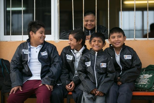 'Ablanda' frío horario y vestimenta en escuelas públicas