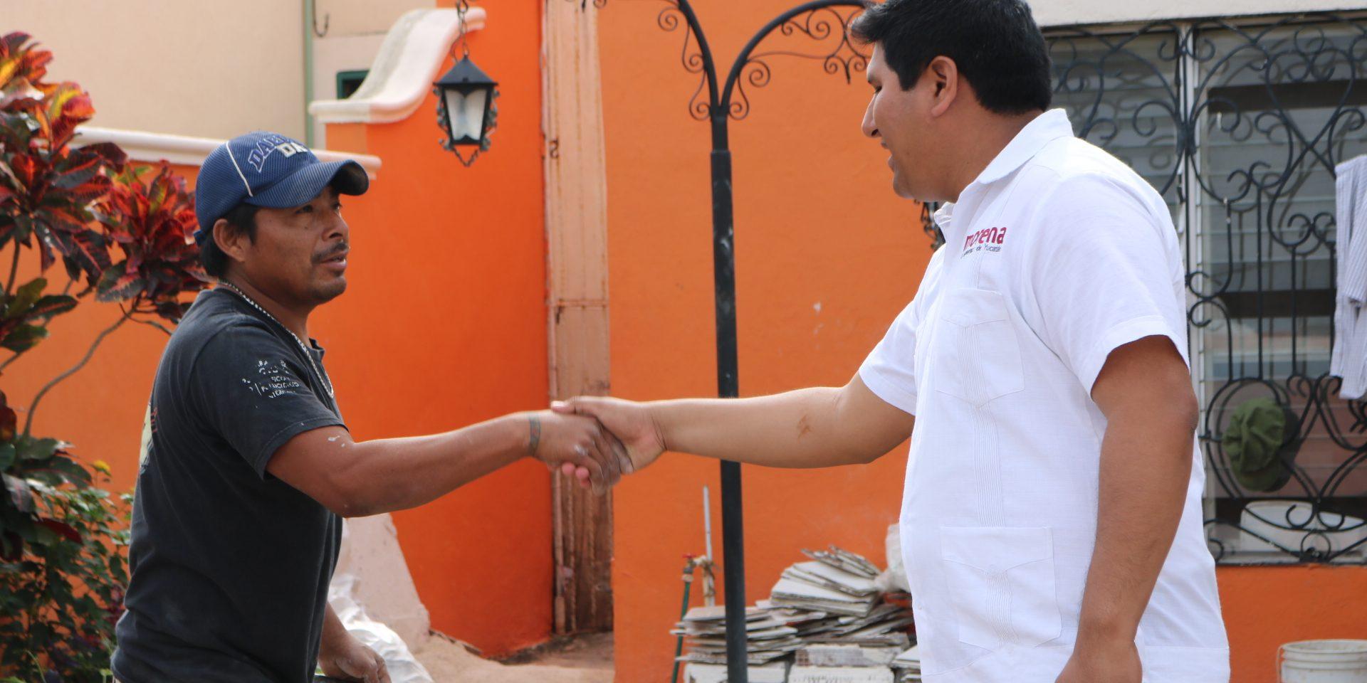 Rogerio Castro, de Morena, inicia caminatas en Mérida