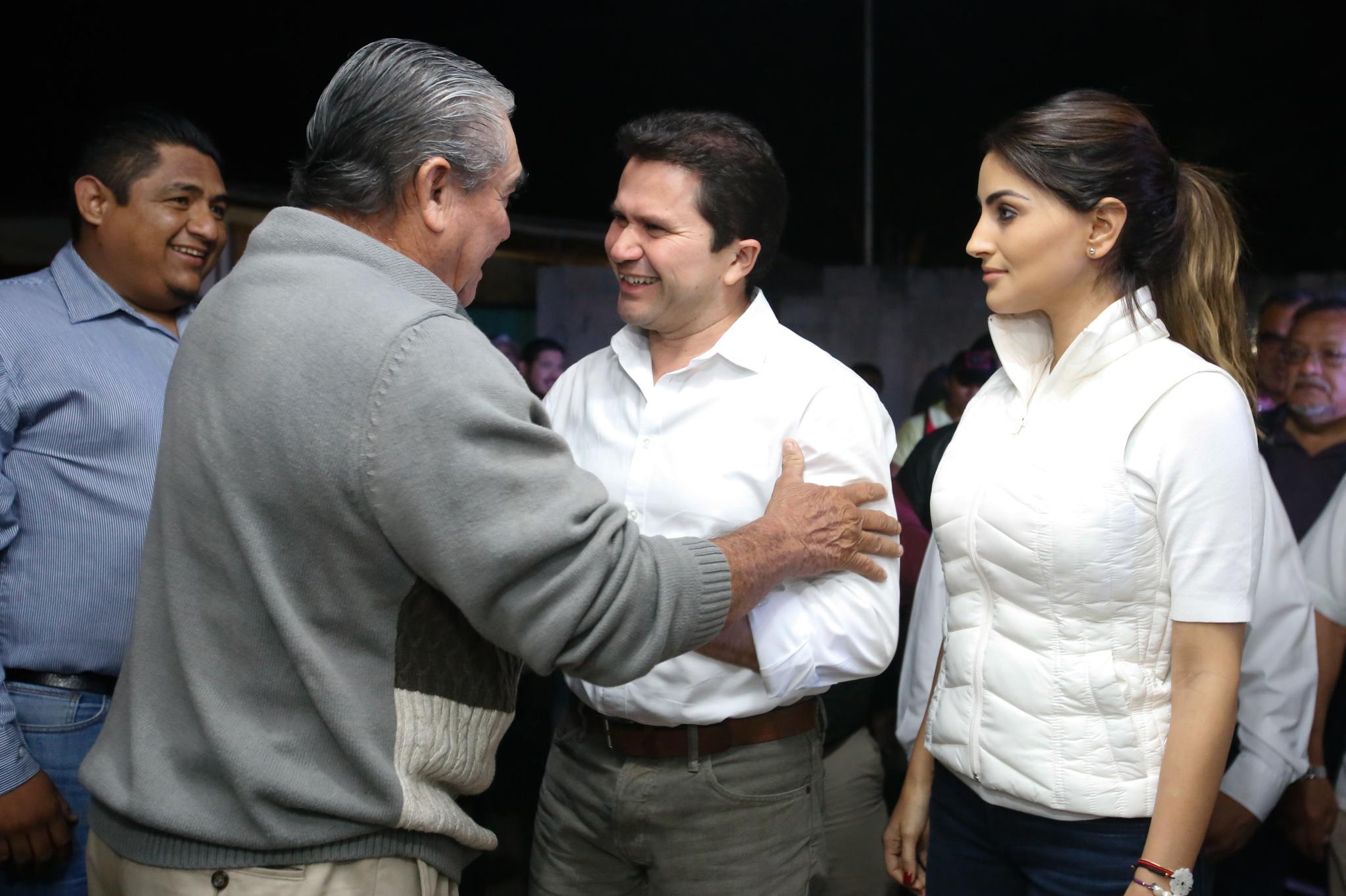 Mauricio Sahuí visita Espita, su tierra natal