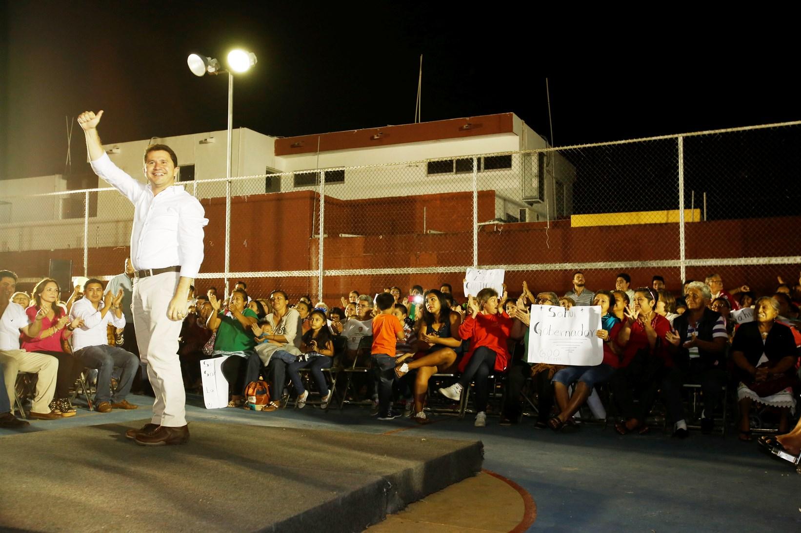 Sahuí se reencuentra con militantes de Mérida