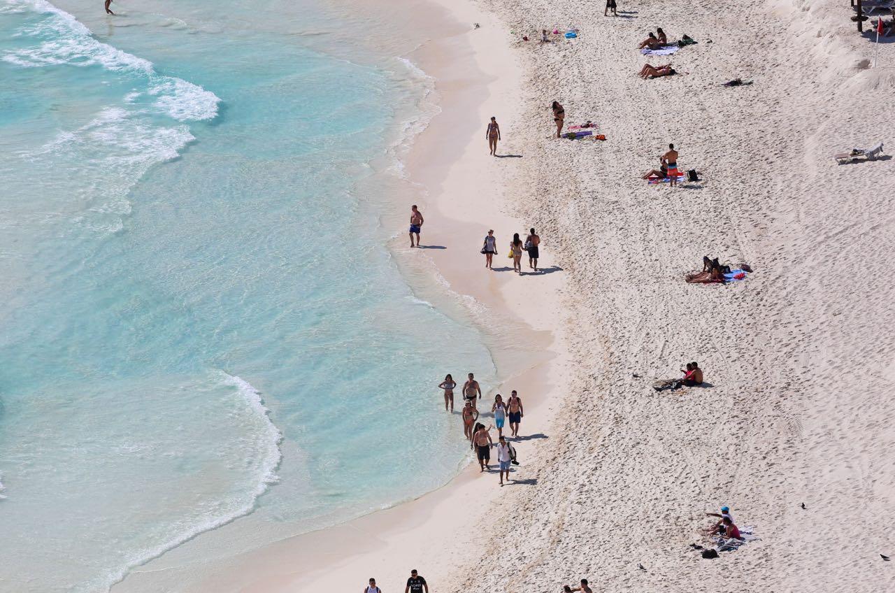 Actividades náuticas en Cancún afectadas por mal tiempo