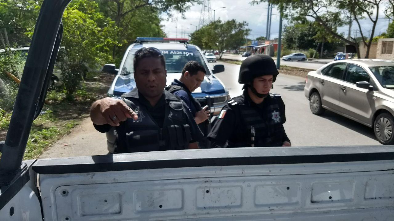 Policía de Cancún arresta con violencia a reporteros