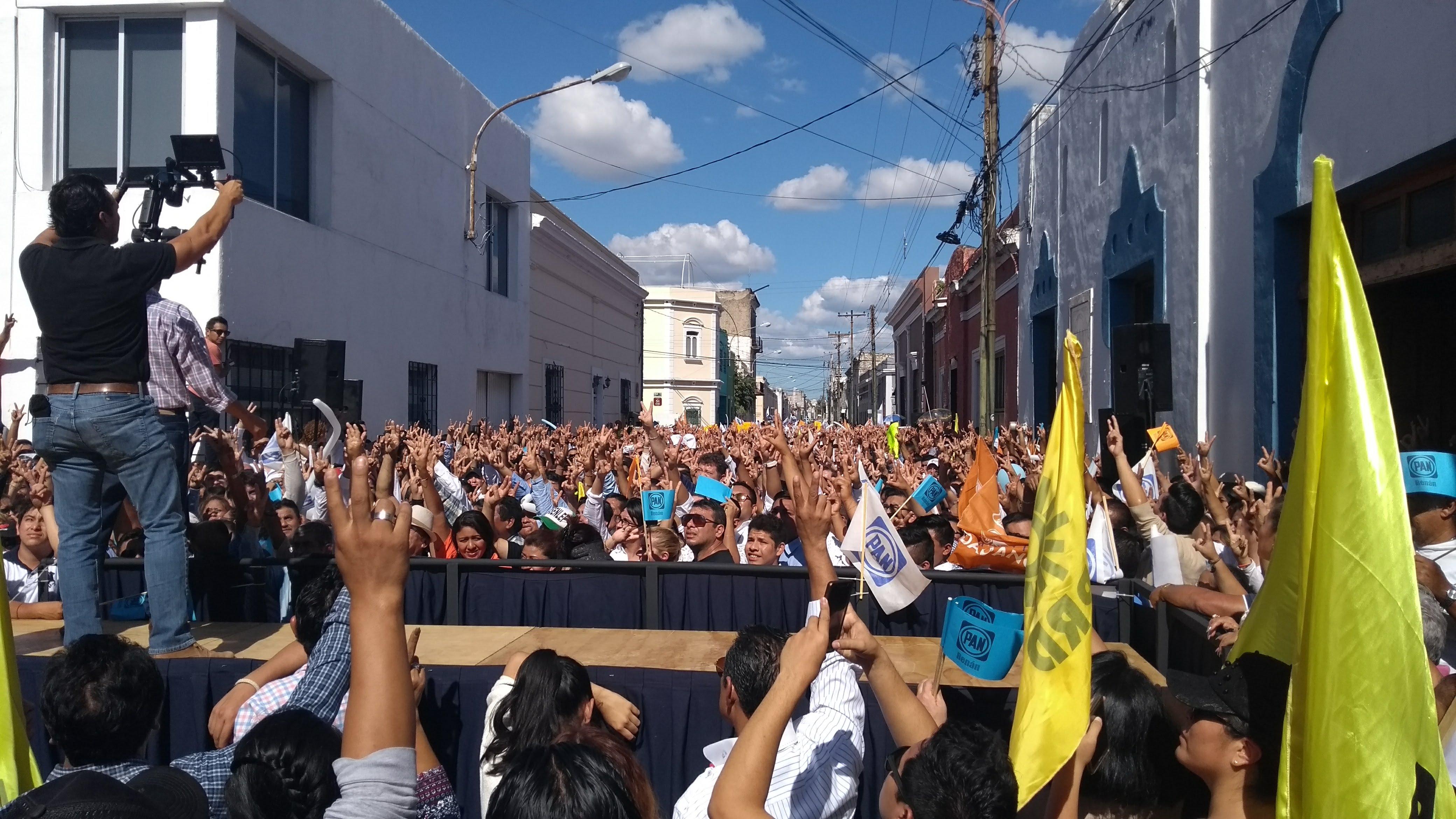 Marchan juntos PAN, PRD y MC, viraje a la incongruencia política