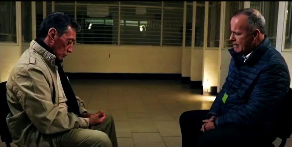 El exgobernador de Quintana Roo Mario Villanueva (izq.), en entrevista con Ciro Gómez Leyva.