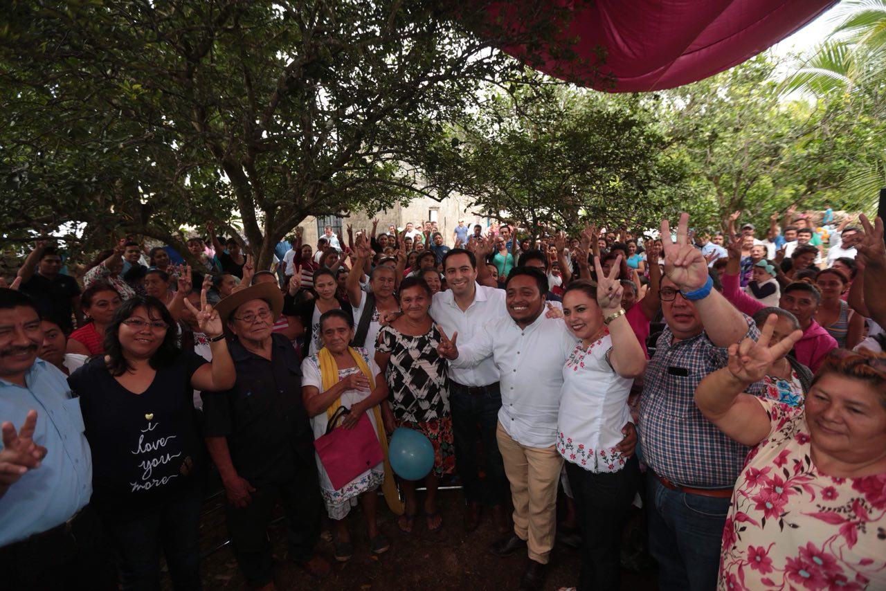 Platica Vila Dosal con militantes y simpatizantes de Abalá, Chapab y Tekax