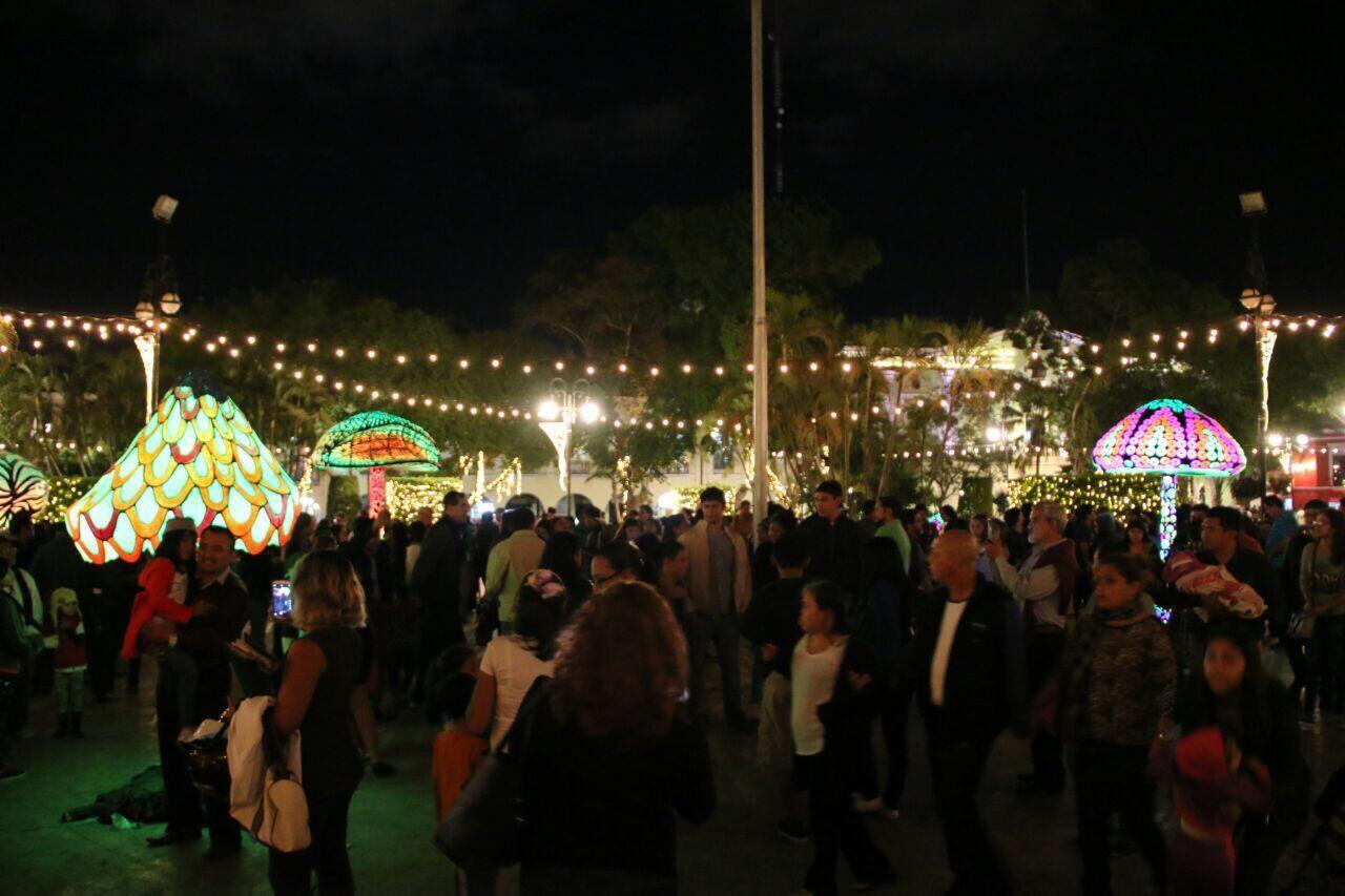 Deslumbrante mezcla de iluminación y arte en Mérida