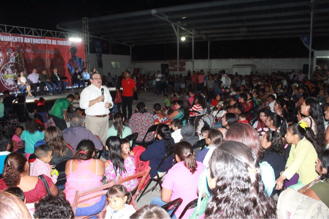 En festejo de Reyes en Tizimín, Ramírez Marín compromete más gestión