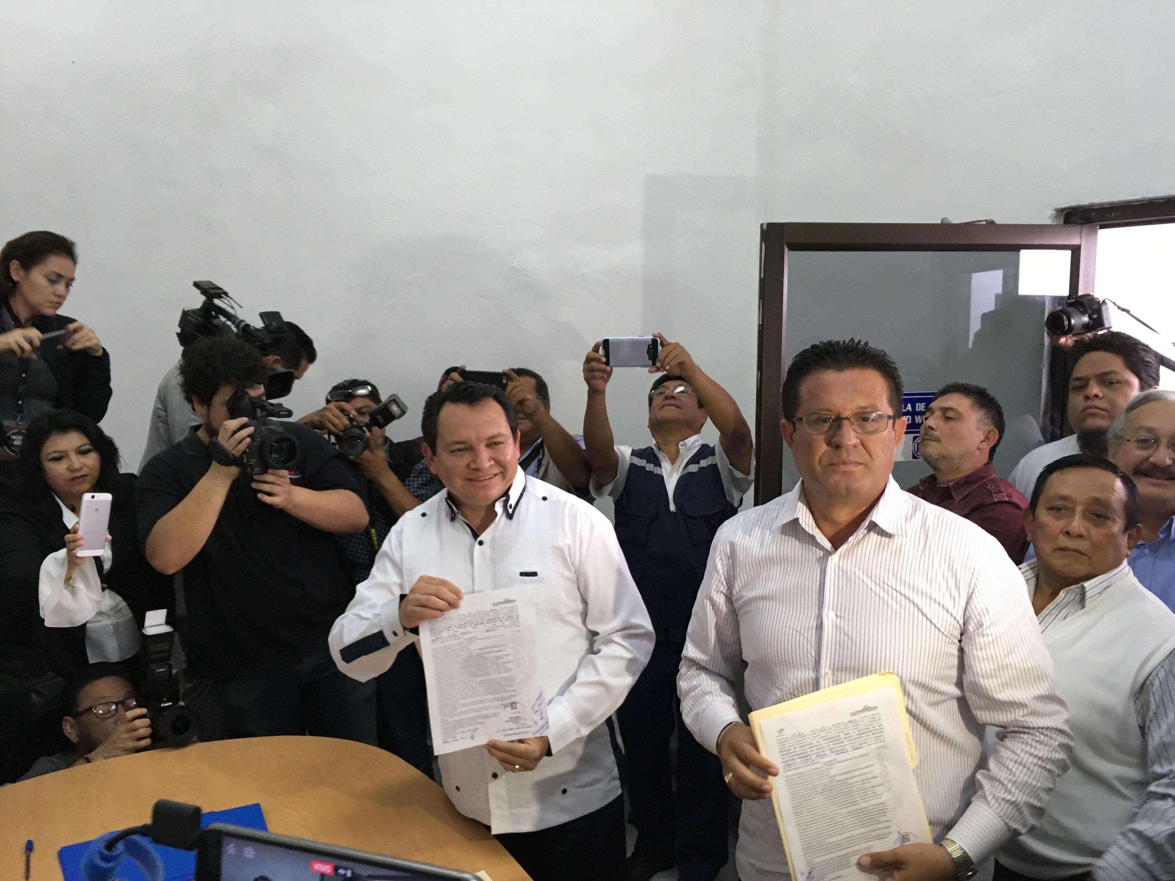 """Mete presión """"Huacho"""" en candidatura del PAN al Senado"""
