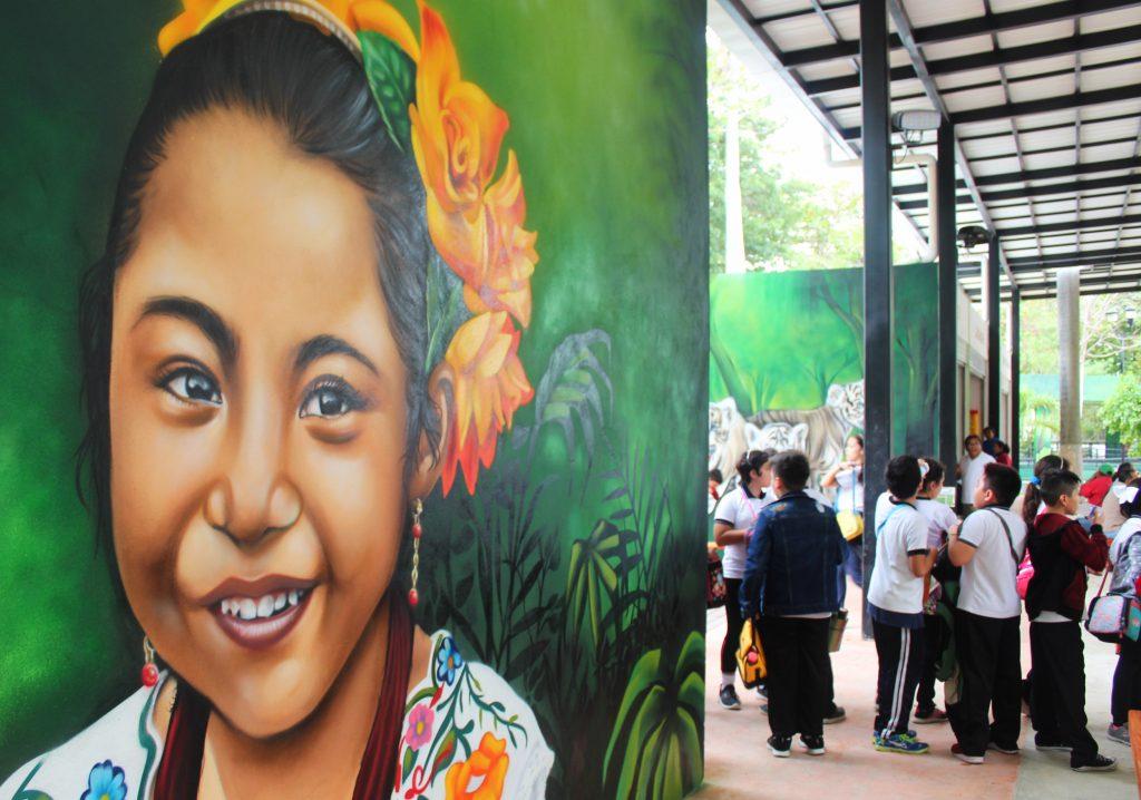 niña mural zoologico centenario merida 2018 paredes