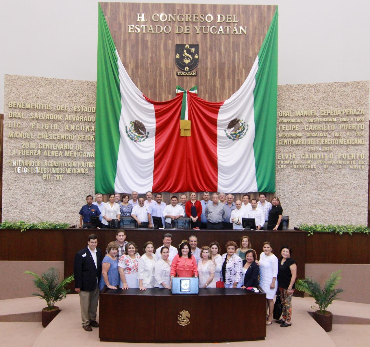 Aprueban formato para glosa del V Informe en Yucatán