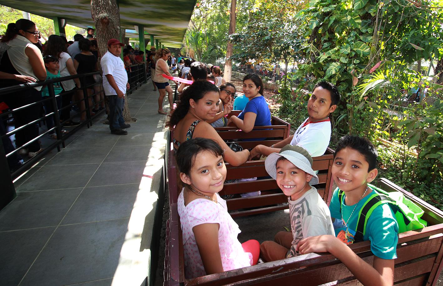 Domingo extraordinario en zoológico El Centenario de Mérida