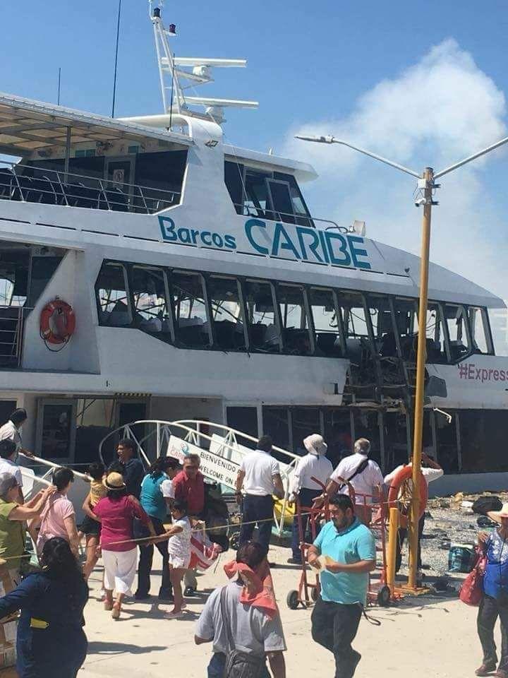 Atribuyen a falla mecánica explosión de ferry en Playa del Carmen