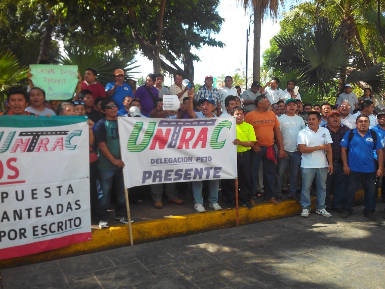 Transportistas yucatecos reclaman subsidios a combustibles