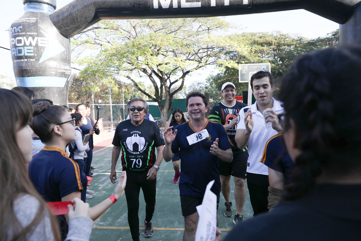 Participa Sahuí en carrera deportiva de la Prepa 1