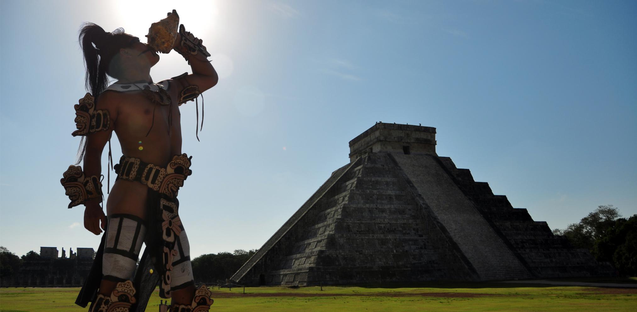 Estarían EPN y esposa en homenaje a Manzanero en Chichén Itzá