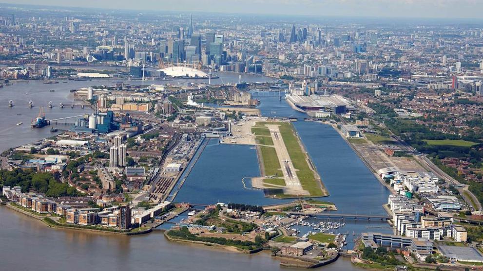 Cerraron aeropuerto de Londres por hallazgo de bomba de la Segunda Guerra Mundial