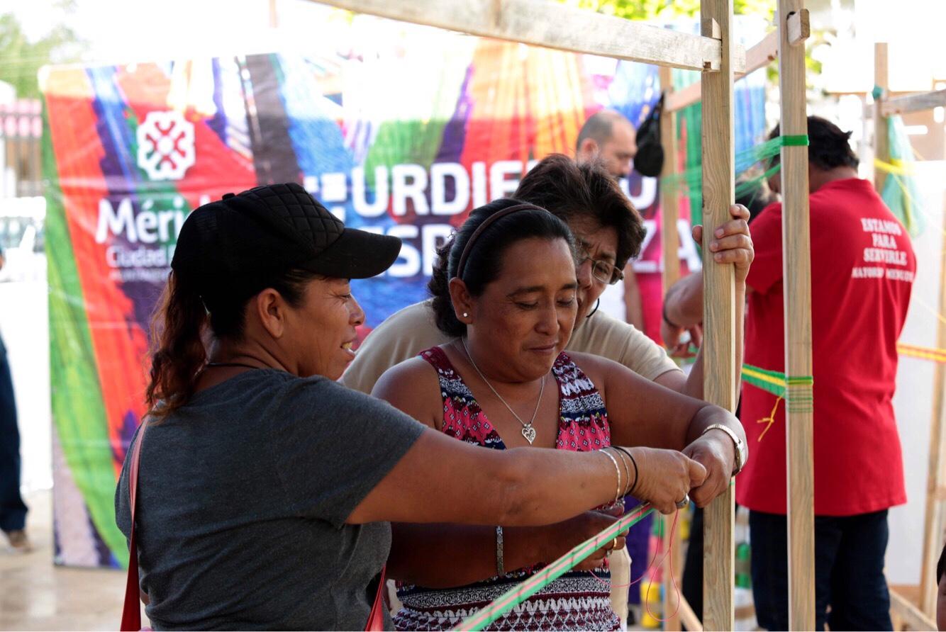 """Segunda entrega en #Mérida de """"Urdiendo Esperanzas"""", en sur y comisarías"""