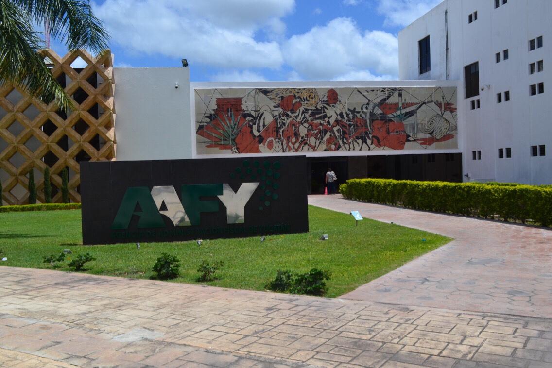 Falla eléctrica paró 5 horas Agencia de Administración Fiscal de Yucatán