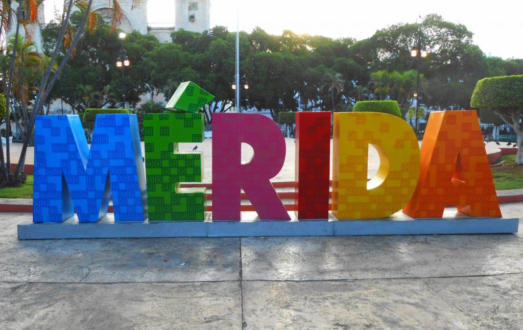 El parador fotográfico con las letras gigantes de Mérida se instaló en 2016. (Foto: Eduardo Vargas/lectormx.com)