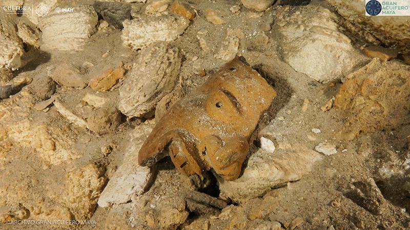 En Sac Actún se han encontrado no sólo restos humanos sino también objetos que se cree pertenecieron a los mayas. (Foto: INAH)