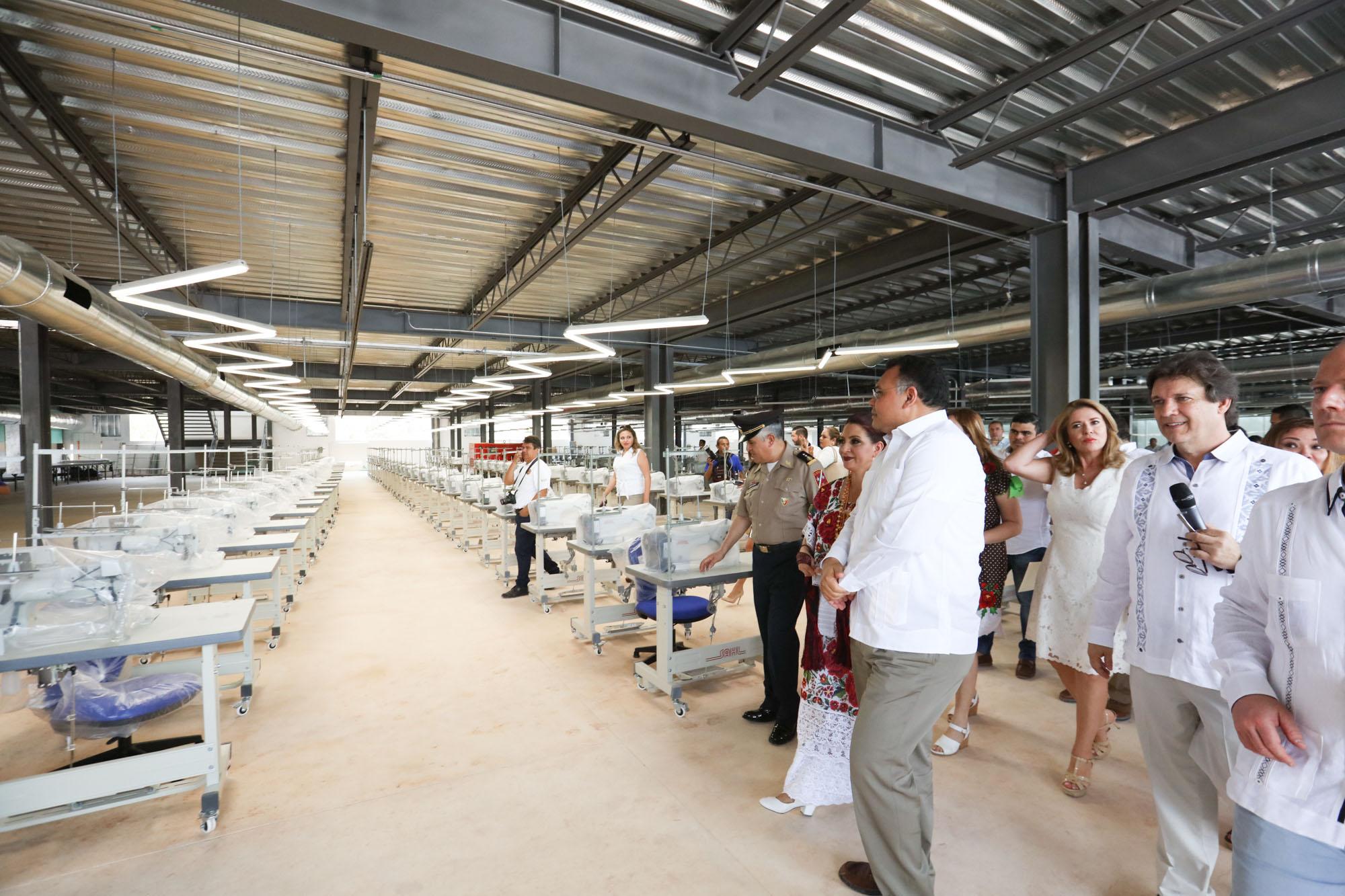 Inauguran planta textil en Valladolid