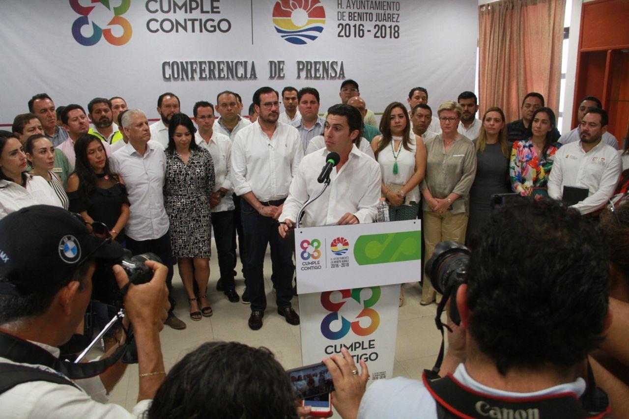 """Se queda en la """"banca"""" alcalde de Cancún"""