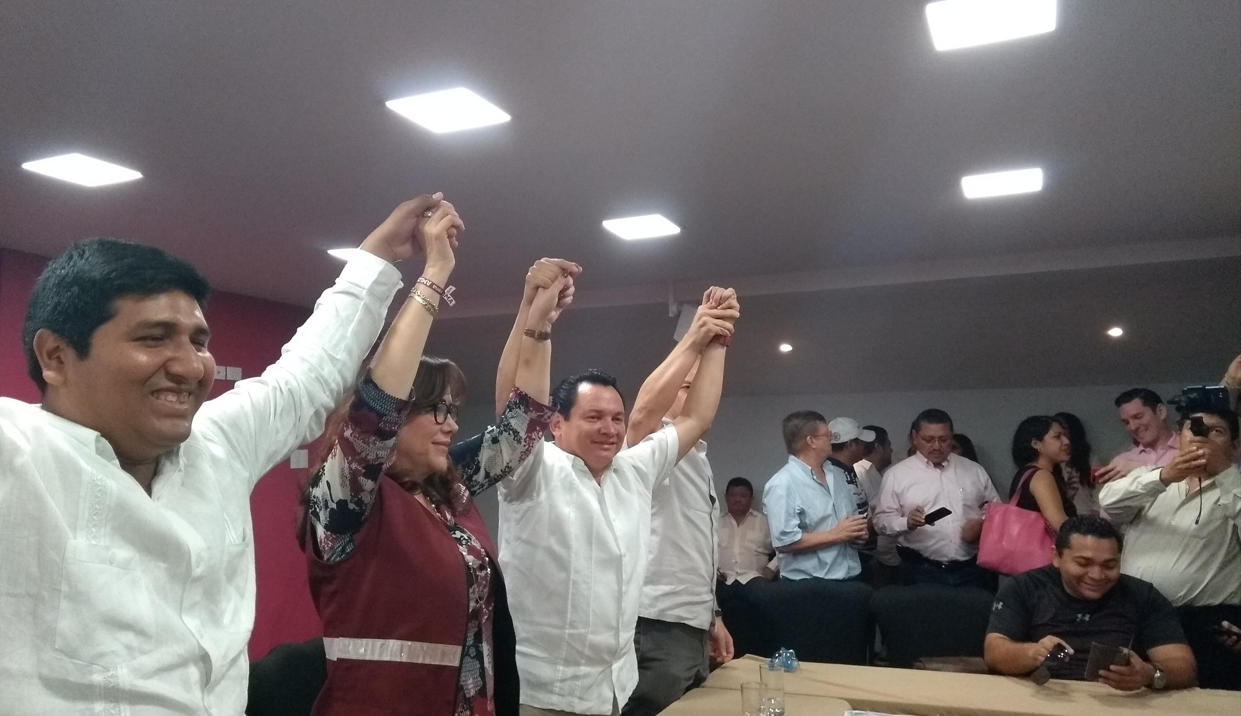 """Morena arropa a """"Huacho"""" Díaz a Gubernatura de Yucatán"""