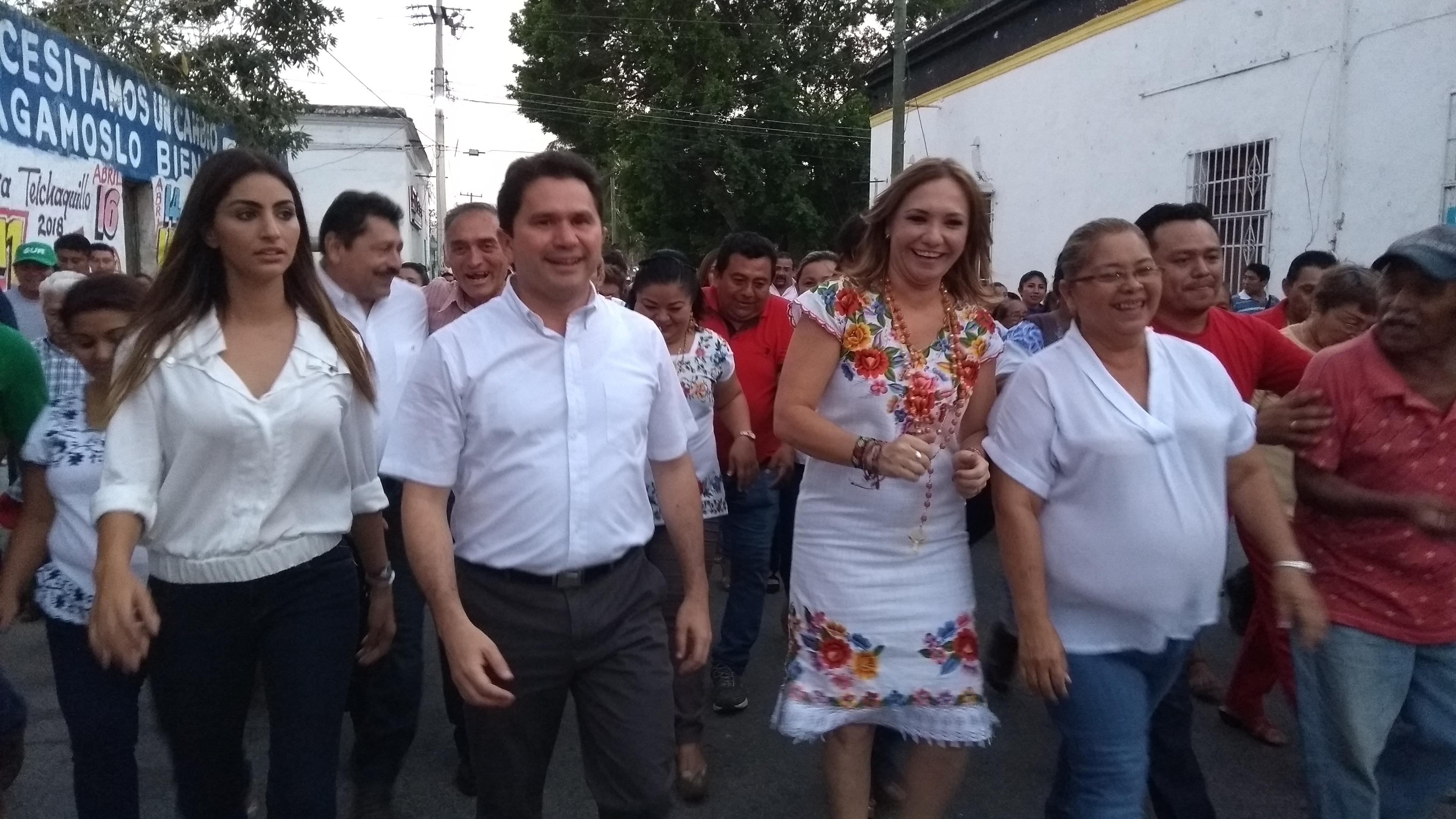 """Se abstiene Sahuí de opinar sobre Díaz Mena; """"a lo nuestro"""", dice"""