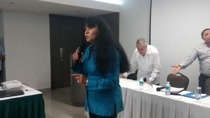 Yucatecos, frente a opción real contra bipartidismo.- Gina Villagómez