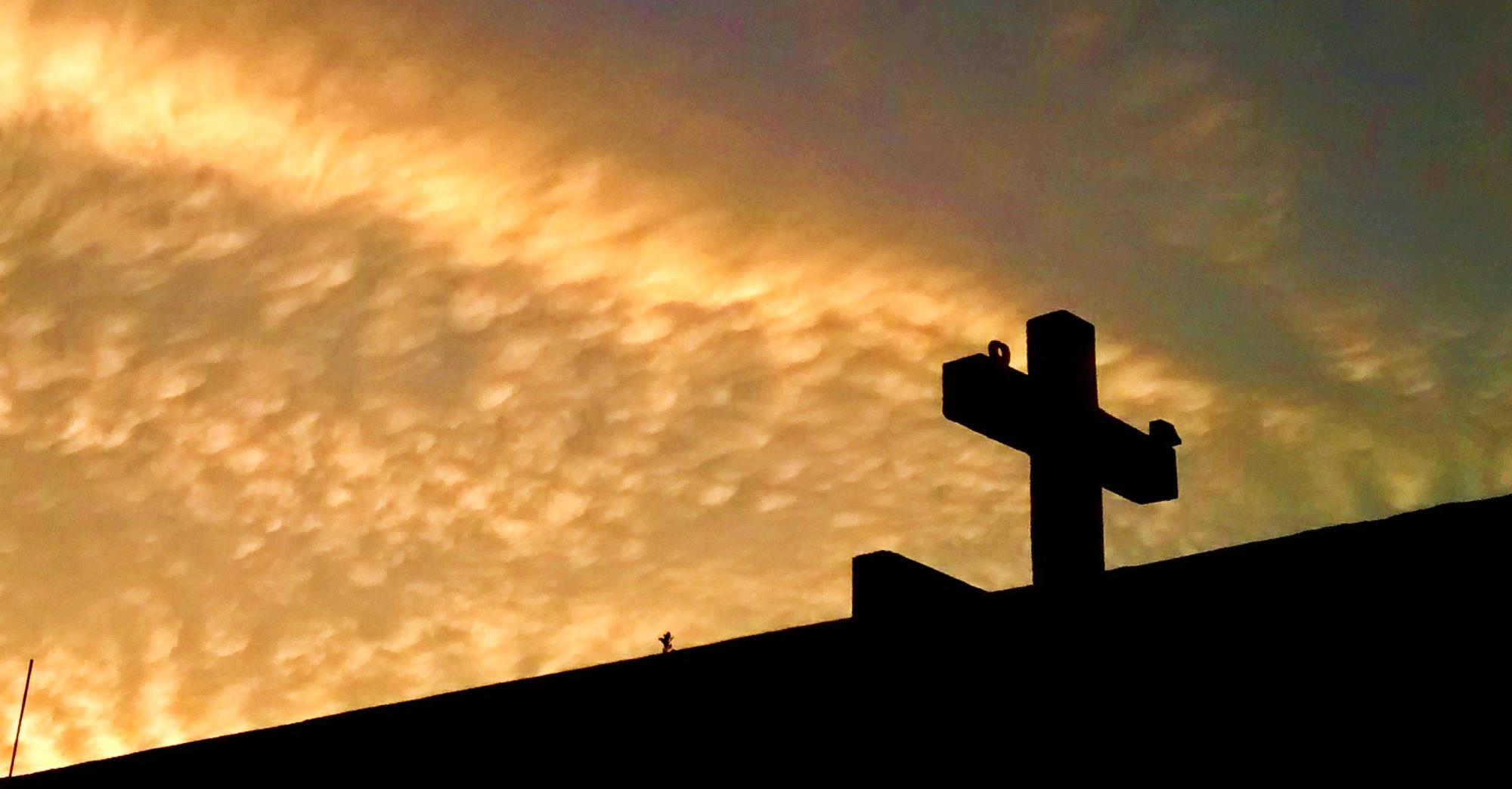 Este 2018 no te libras del Domingo de Resurrección: <i>resucita</i> el Horario de Verano
