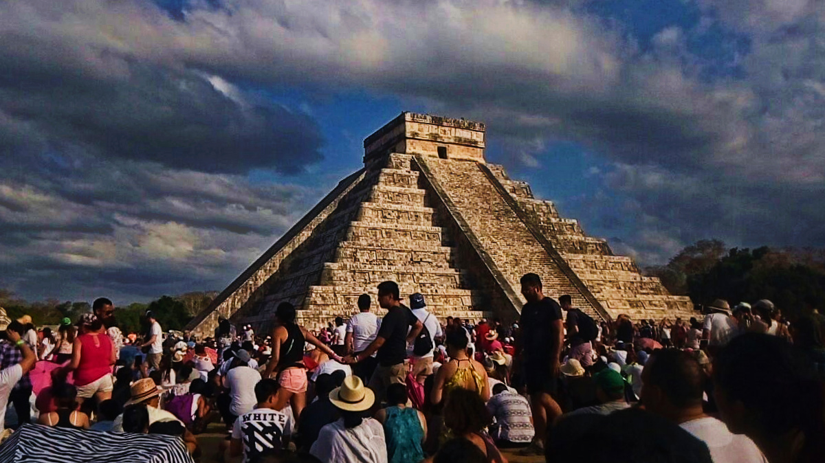'Tímido' descenso de Kukulcán en <i>equinoccio</i> de Chichén Itzá (video)
