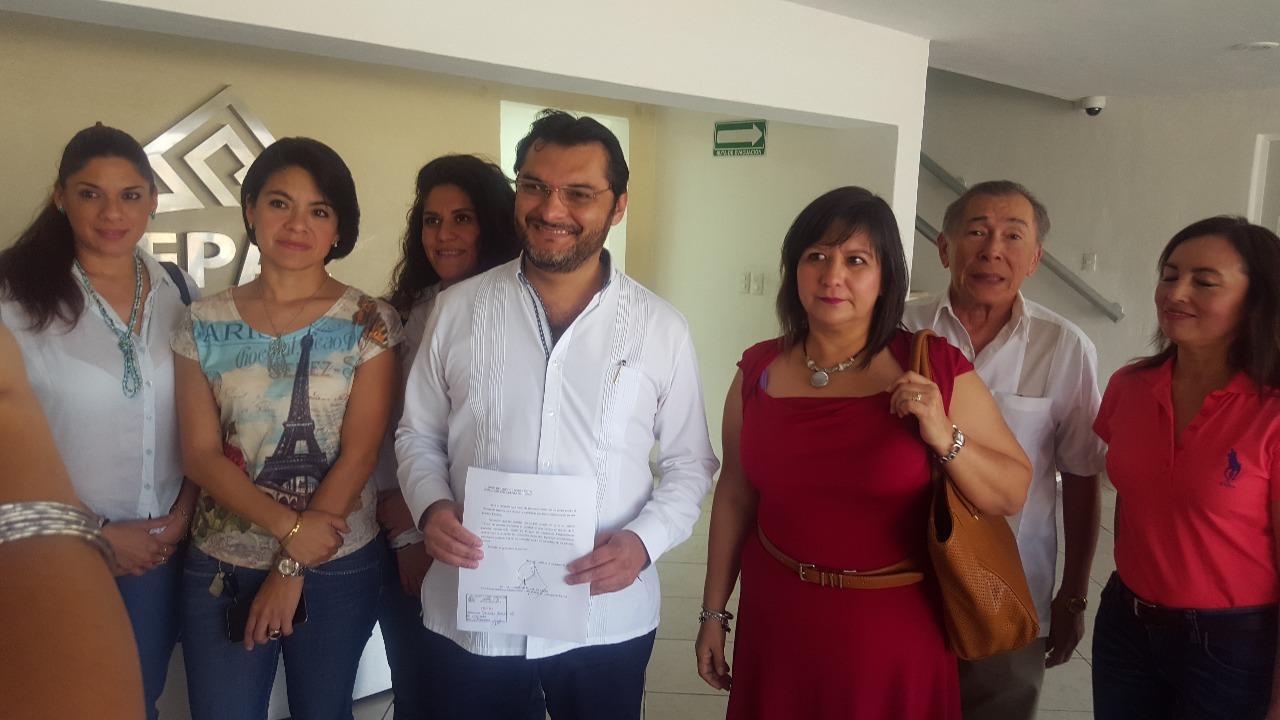 Deja independiente contienda por Alcaldía de Mérida y acusa al árbitro electoral