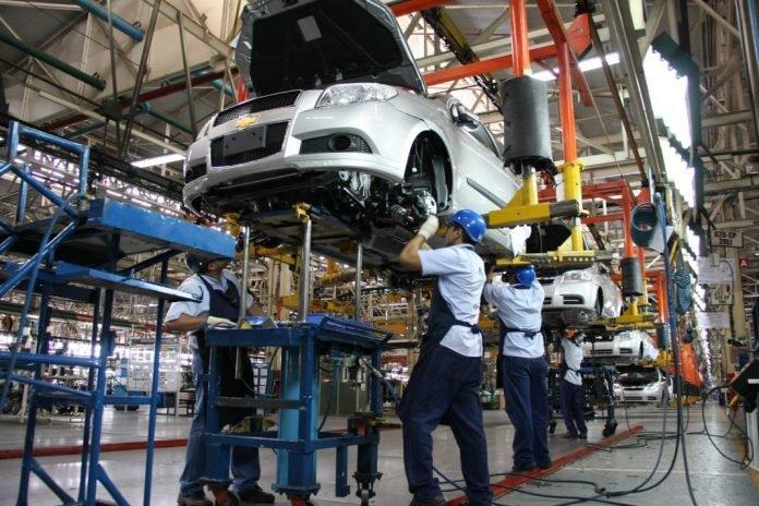 EU ve próximo un consenso con México y Canadá en regla de origen automotriz