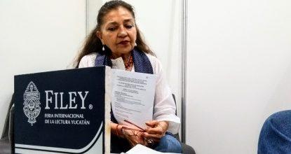 La escritora Sara Poot Herrera estuvo  en la Filey 2018 para presentar el programa del X Congreso Internacional de Literatura UC-Mexicanistas.