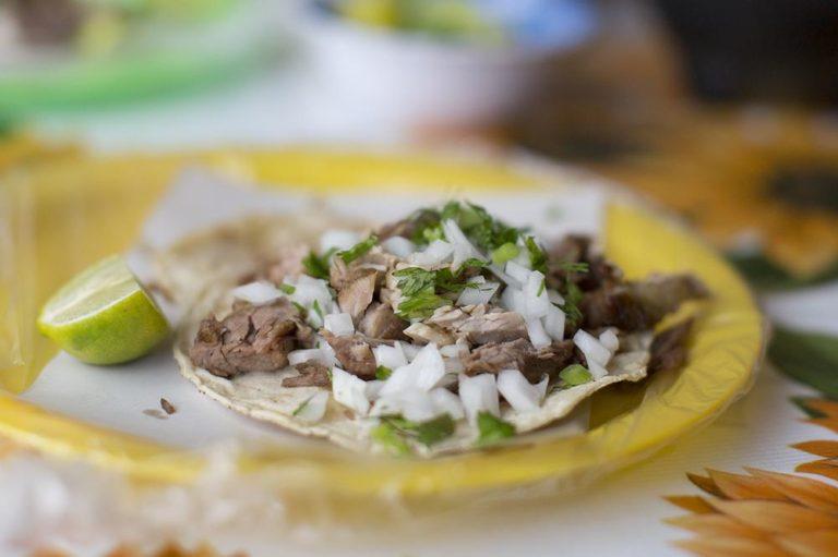 Preparadores de comida rápida suman 1.6 millones de mexicanos