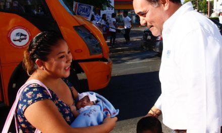 Transporte más seguro para las meridanas, ofrece Renán Barrera
