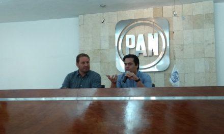 """Panistas rechazan """"competencia de ataques"""" en Mérida"""