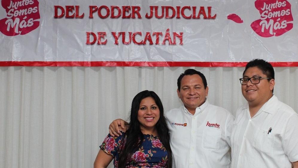 """Huacho"" dialoga con trabajadores del Poder Judicial de Yucatán"