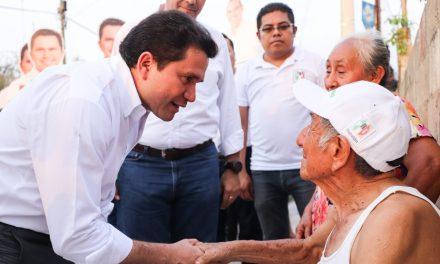 Sahuí constata necesidades en la zona sur de Mérida