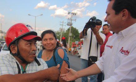 """Volantea """"Huacho"""" en cruces de Mérida"""