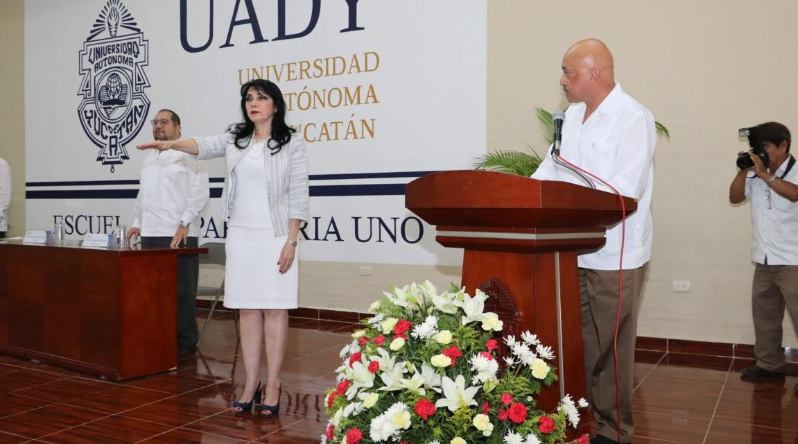 Ligia Herrera Correa, rindió protesta como directora de Preparatoria Uno