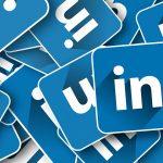 Los estafadores que te ofrecen trabajo en LinkedIn para robarte datos