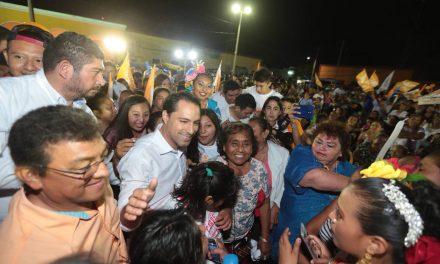 """""""Yucatecos exigen mejorar el sistema de salud"""", Vila Dosal"""