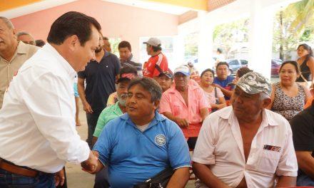 """""""Huacho"""" se compromete con directivos de pescadores y sus familias"""