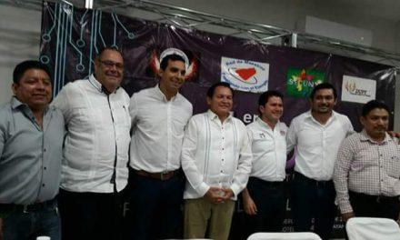 Reclamo: dignificarprofesión de magisterio en Yucatán
