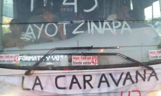 Salida 'agitada' en Yucatán de familiares de normalistas de Ayotzinapa