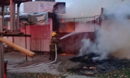 Desgracia para familia de tapiceros: incendio destruye taller