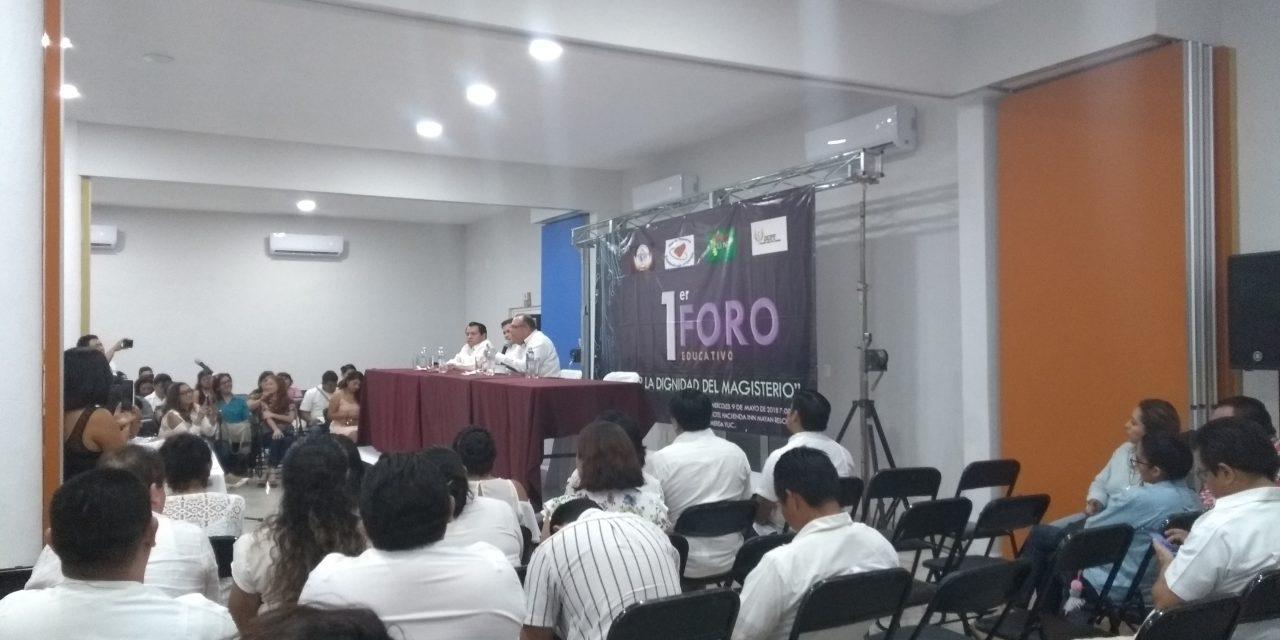 Candidatos a Gubernatura llevan propuestas a maestros; faltó Vila